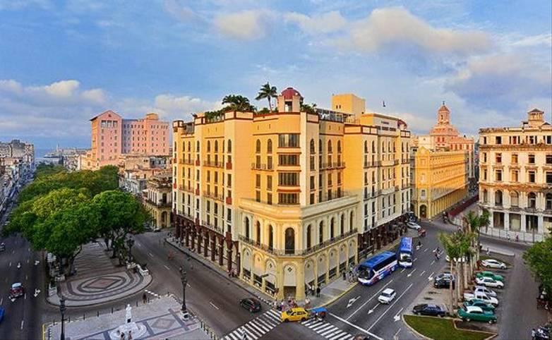 Cuba - Hotel Iberostar Havana exterior 2.jpg