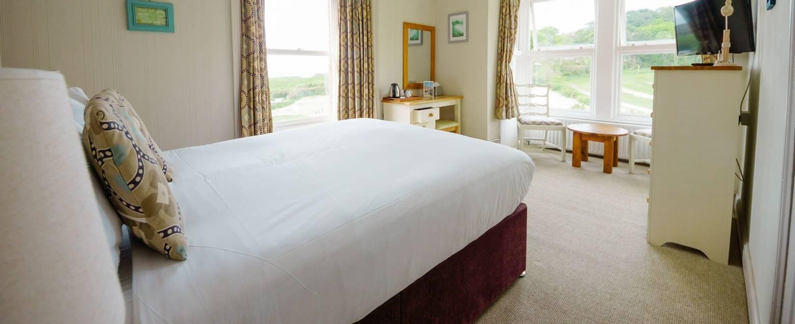 10672_0120 - Room 4