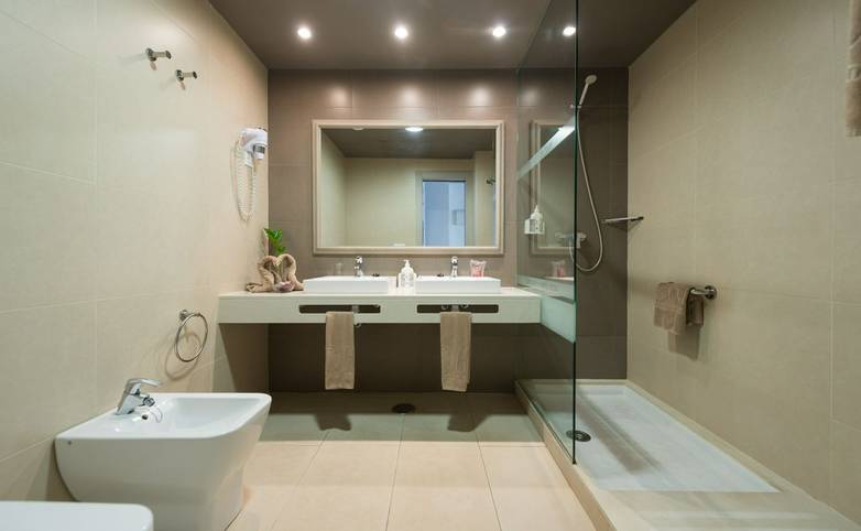 Spain - Lanzarote - HD Beach Resort & Spa - HD Beach Resort_baño.jpg