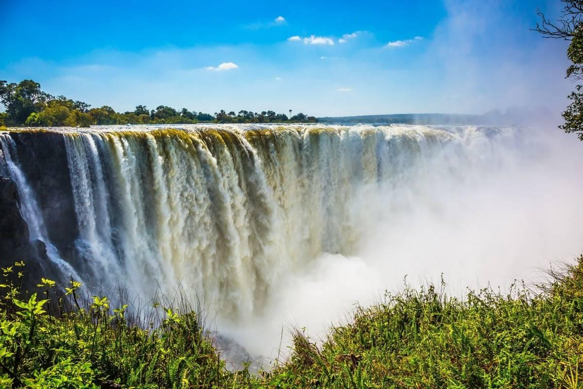 Victoria Falls, Zambia shutterstock_520999546.jpg
