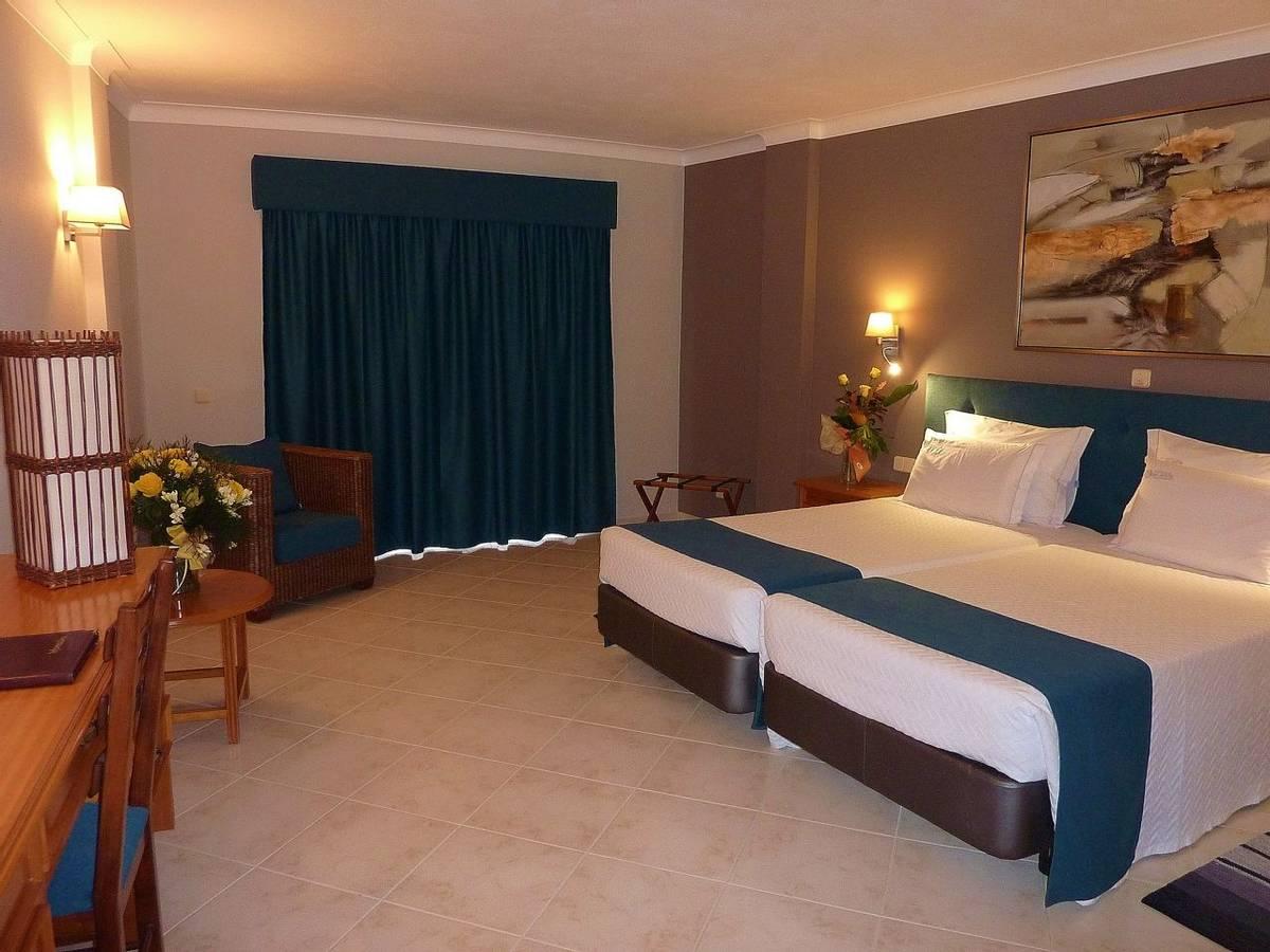 Hotel Belavista -  superior-03_25871987171_o.jpg