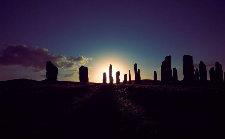 IsleofLewis-CalanaisStandingStones-gordon-williams-766335-unsplash.jpg