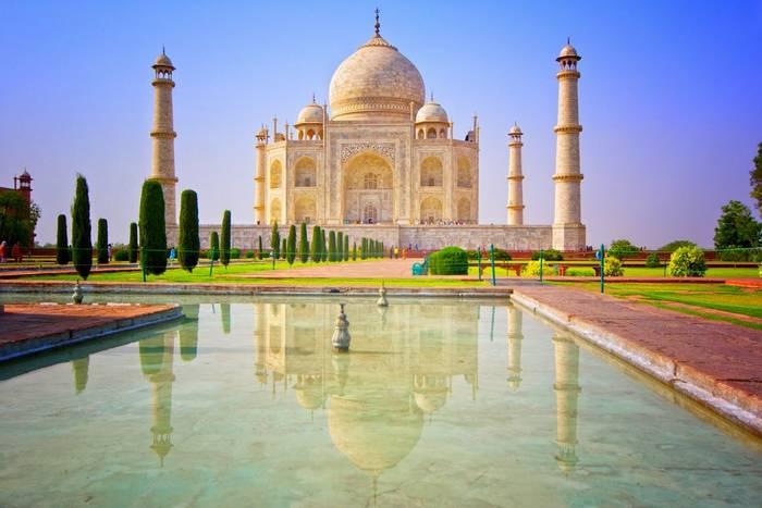 Taj Mahal. India. shutterstock.jpg