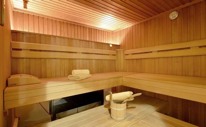 Hotel-Waldheim-Mayrhofen-Fischerstrasse-509-Familie-Pfister-Sauna-08-2015 (1280x852) (2) - Kopie (1280x852).jpg