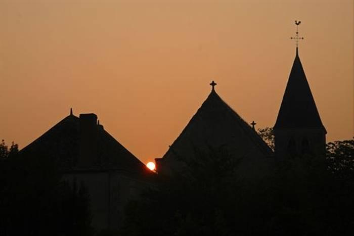 Sunrise over St-Michel en Brenne (David Morris)