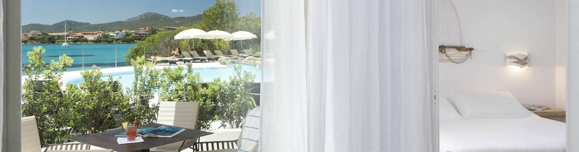 4 Charming Suite - Gabbiano Azzurro Sardegna.jpg