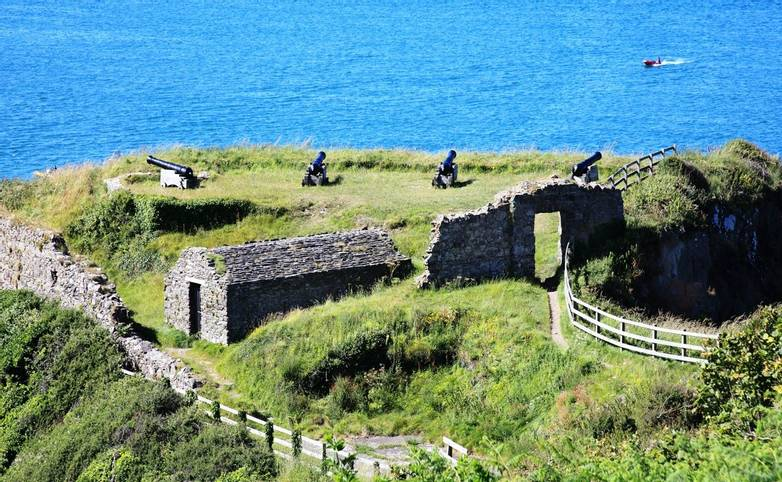 Pembrokeshire Coast Path - Guided Trail - AdobeStock_67350086.jpeg