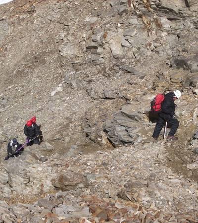 Descending Gondogoro La