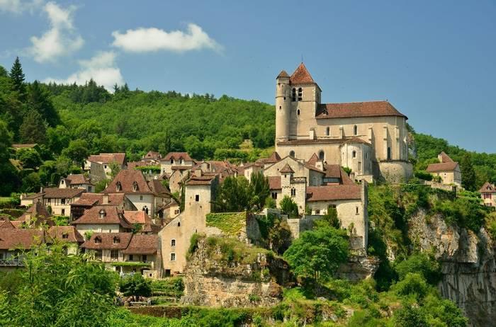 Saint Cirq Lapopie, an ancient village in France. shutterstock_146123030.jpg