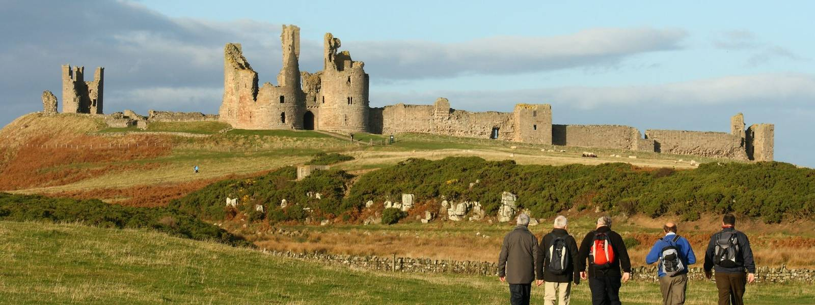 Alnmouth - Walking with Sightseeing - Craster - Dunstanburgh Castle - AdobeStock_46809622.jpeg