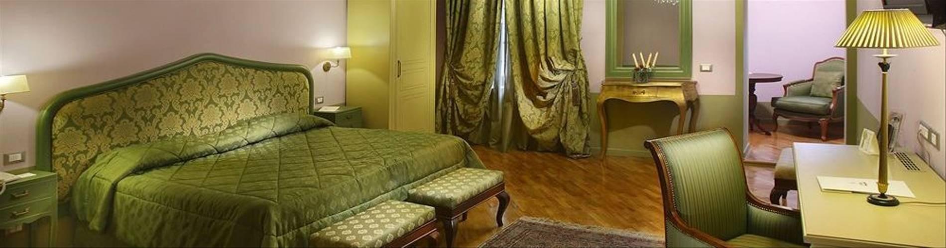08-Hotel San Luca Palace.jpg