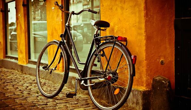 Shutterstock 113463682 Retro Bicycle In Copenhagen