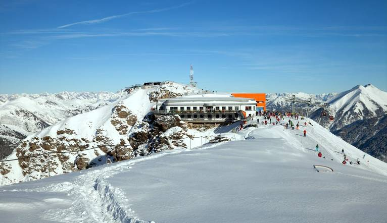 Shutterstock 174645509 Cable Car Station On Top Of Stubnerkogel   Copy