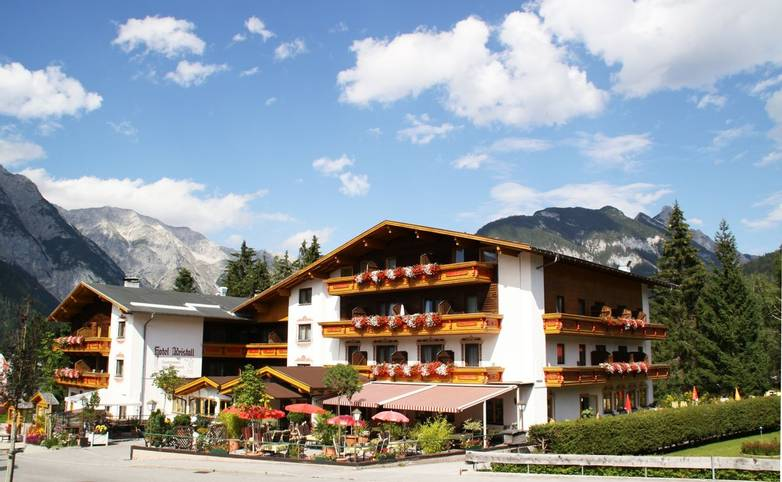 Austria - Weidach - Seefeld Plateau - Hotel Kristall - Seefeld Hotel.JPG