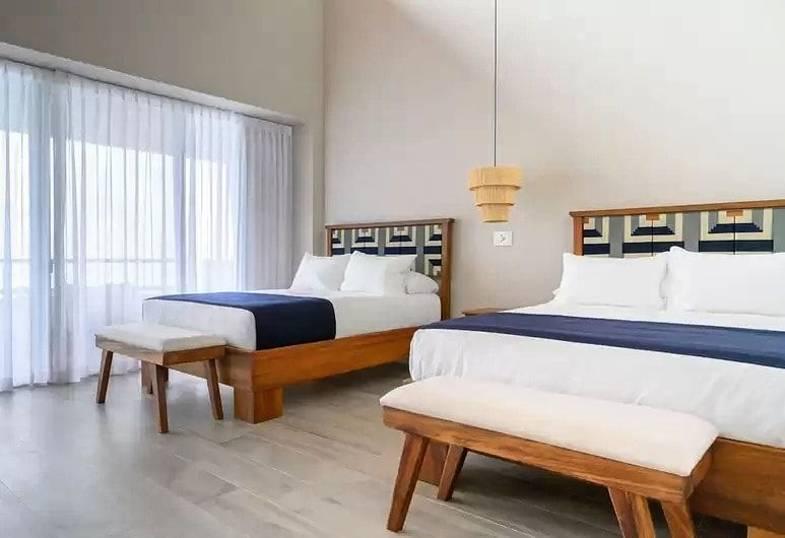 lapazul-retreat-queen-room.jpg