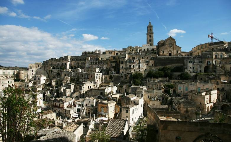 Italy_Puglia_Matera_Skyline_LR.jpg