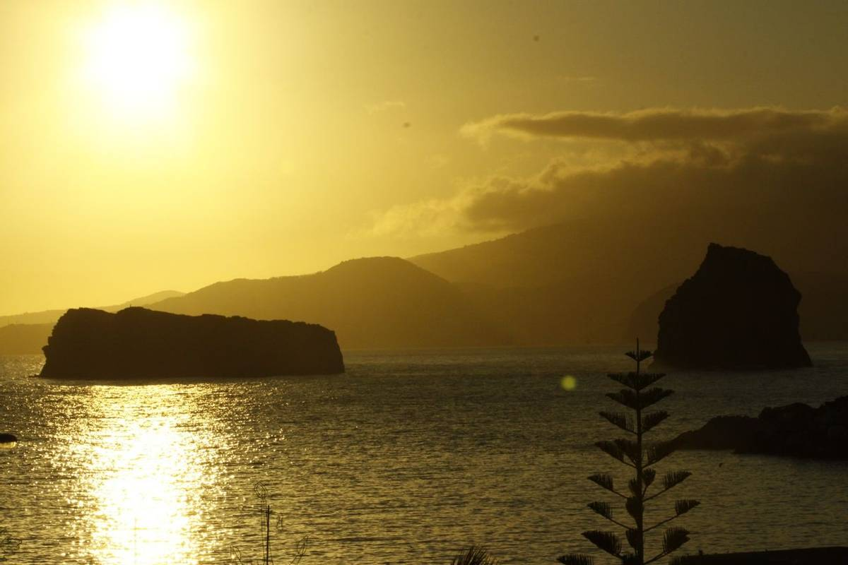 Sunset in Azores by Ian Hunt