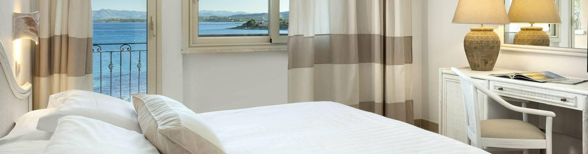 1 Comfort Room Sea View - Gabbiano Azzurro Sardegna.jpg