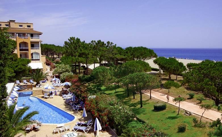 French Catalonia - Grand Hotel du Lido -et-piscine-vue-hauteur_25087427915_o.jpg