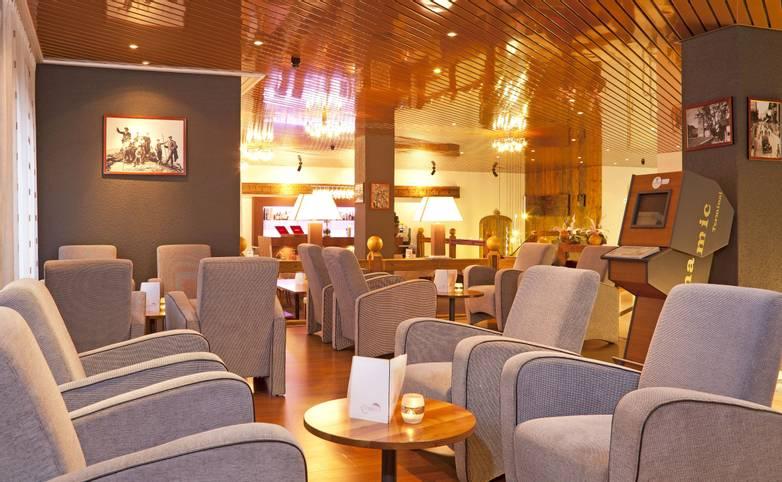 Switzerland - Bernese Oberland - Hotel Steinmattli - Lobby - Hotel Provided - Steinmattli Lobby 01.JPG