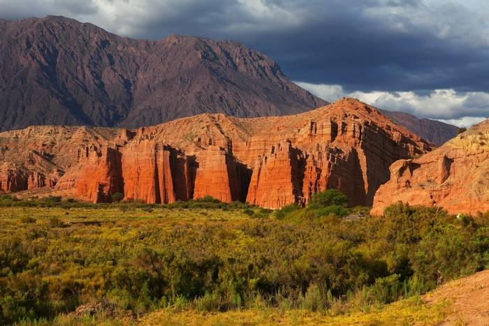 El Cafayate, Salta, Argentina. shutterstock_124422352.jpg