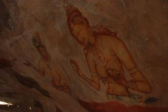 Sigiriya wall paintings (Thomas Mills)