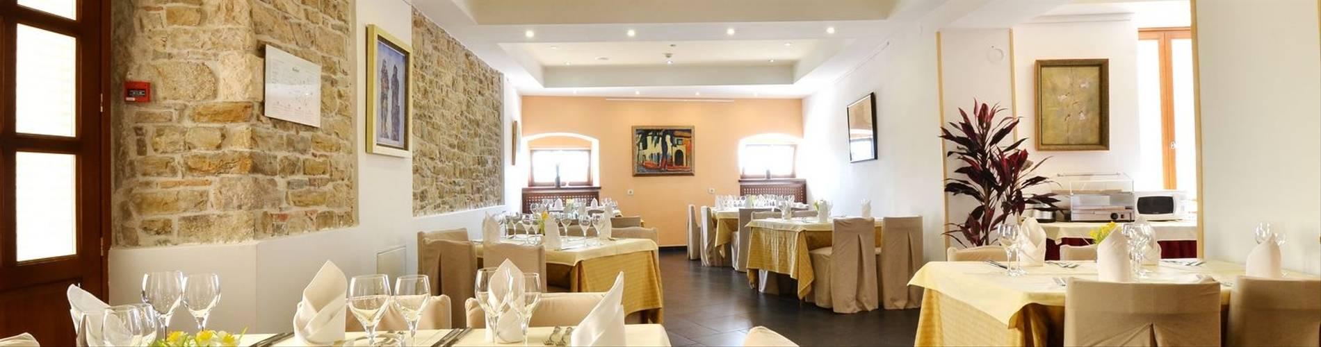 Dining-Room-Kastel-Motovun-2014.jpg
