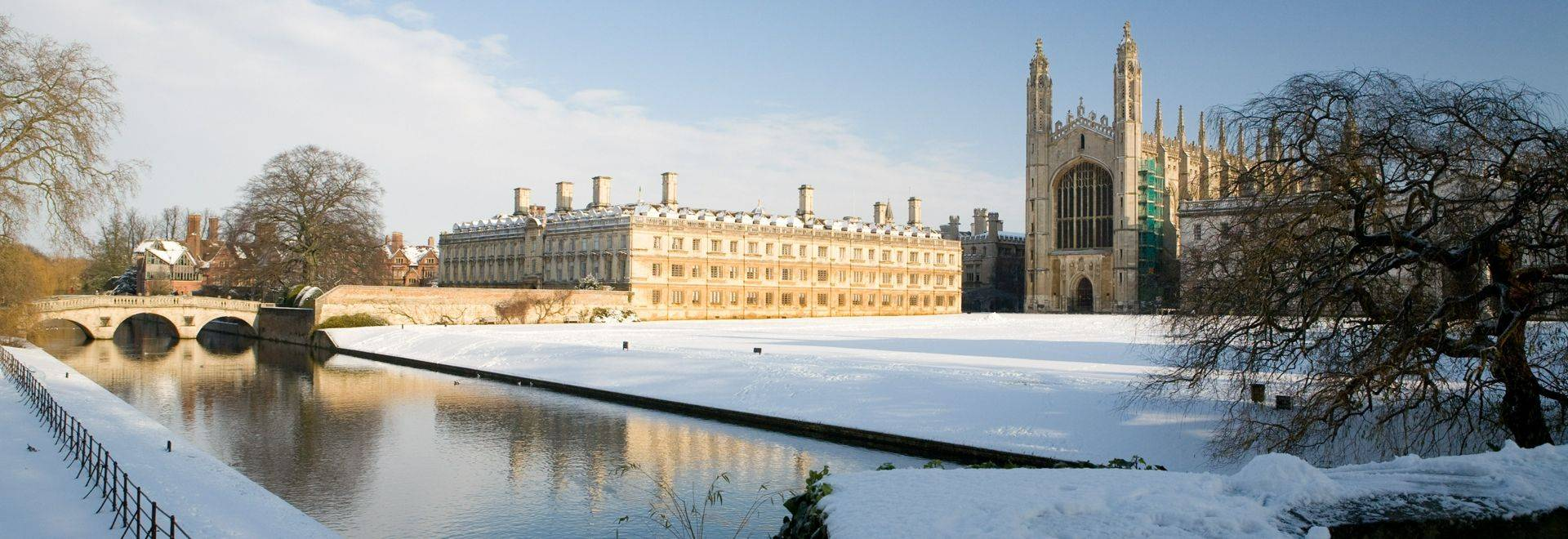 Winter scene across the backs to Kings college chapel and Clare College bridge. Christmas at Kings College