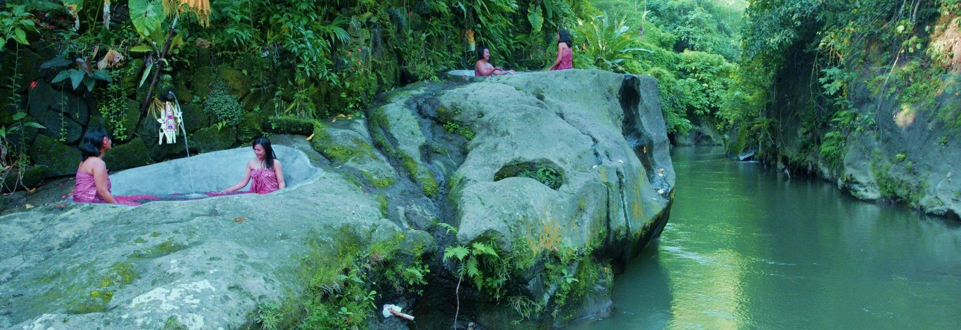 Svarga-Loka-bath.jpg