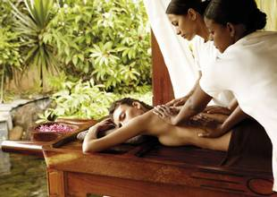 Shanti-Maurice-ayurveda-massage.jpg