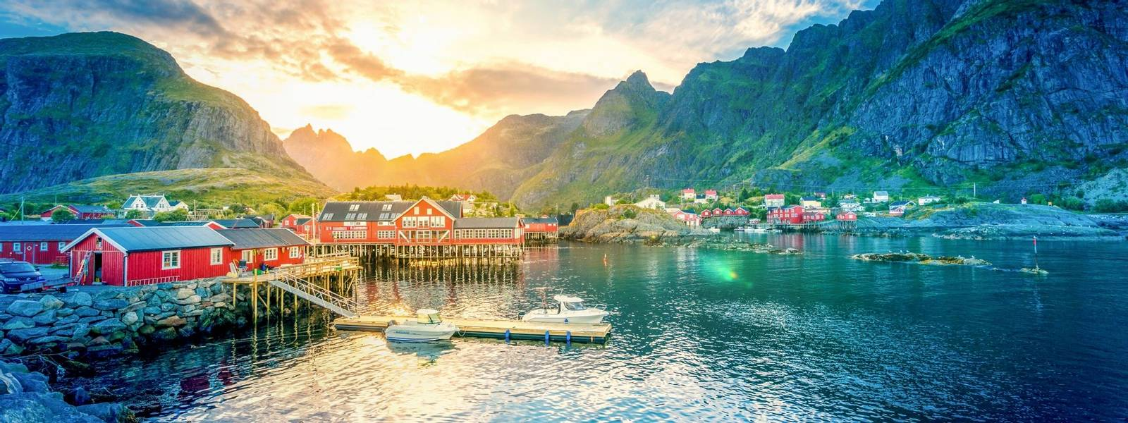 Norway-LofotenIslands-Svolvaer-AdobeStock_145295505.jpeg