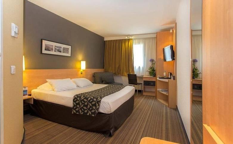 France - Corsica - Hotel Best Western - Bastia - room.jpg