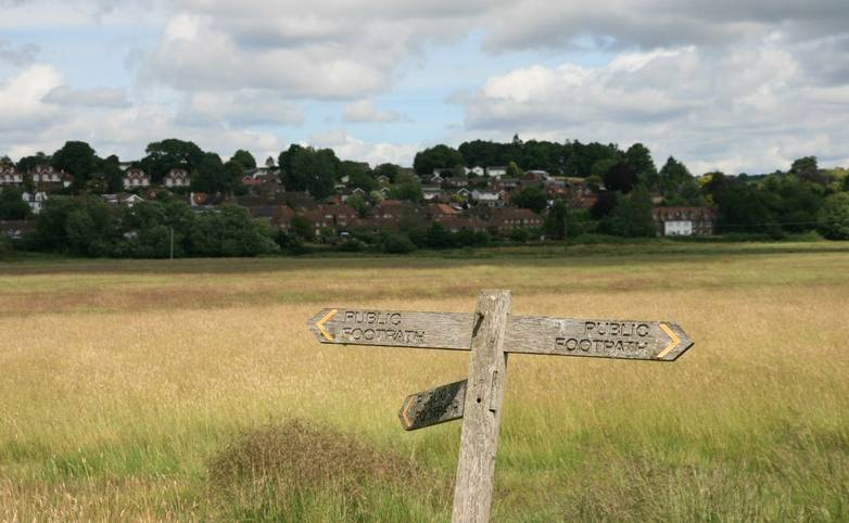 Footpath sign Pulborough.JPG