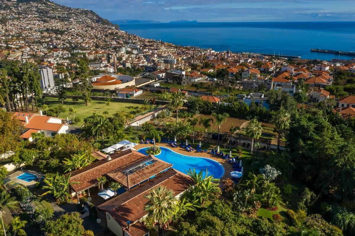 Portugal - Gardens of Madeira - Alberto Reynolds  - 3. QUINTA JARDINS DO LAGO.jpg