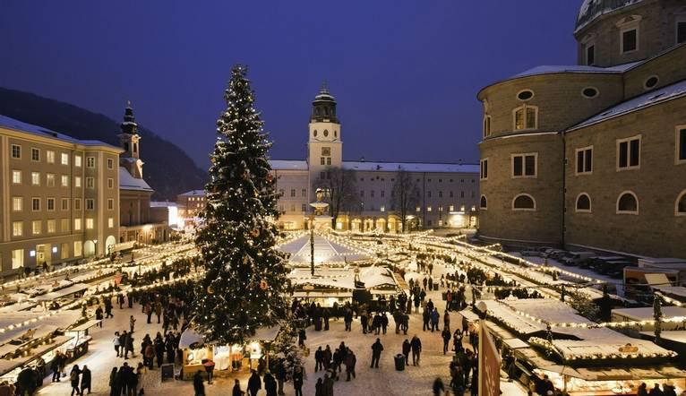 00000030910-christmas-market-in-salzburg-domplatz-oesterreich-werbung-Bryan Reinhart.jpg