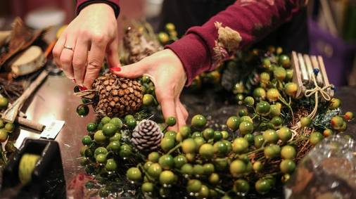 3-Night Festive Wreath Making & Foraging in the Shropshire Hills