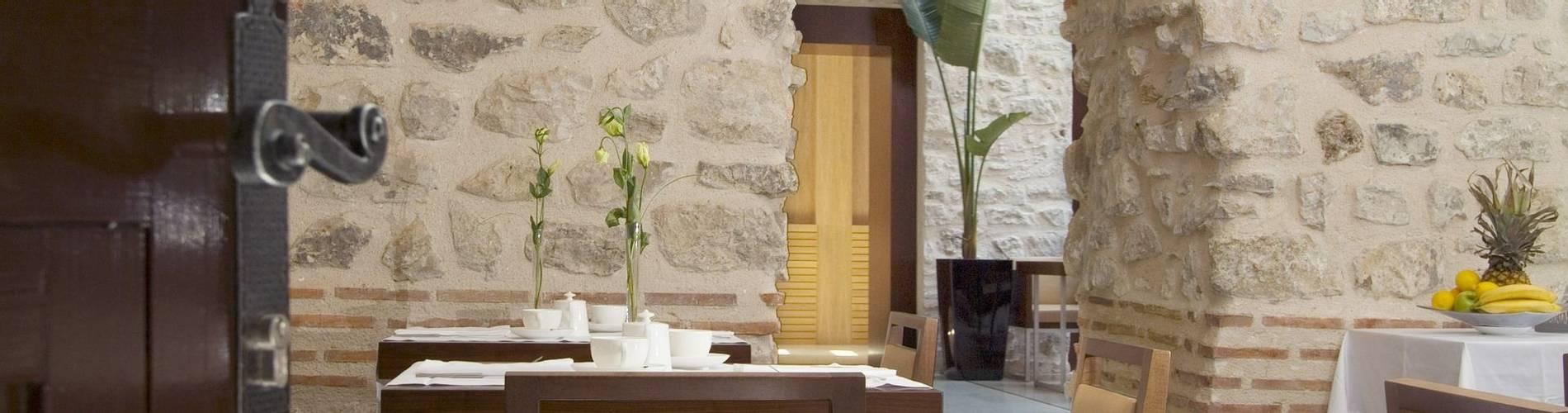 hotel vestibul palace split restaurant.jpg