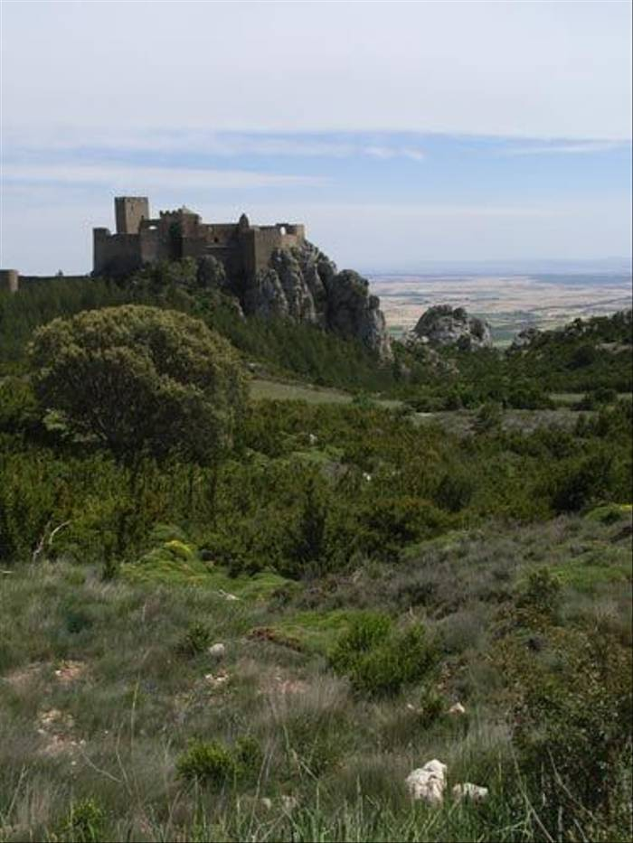 Castle in the Pyrenees (Toby Abrehart)