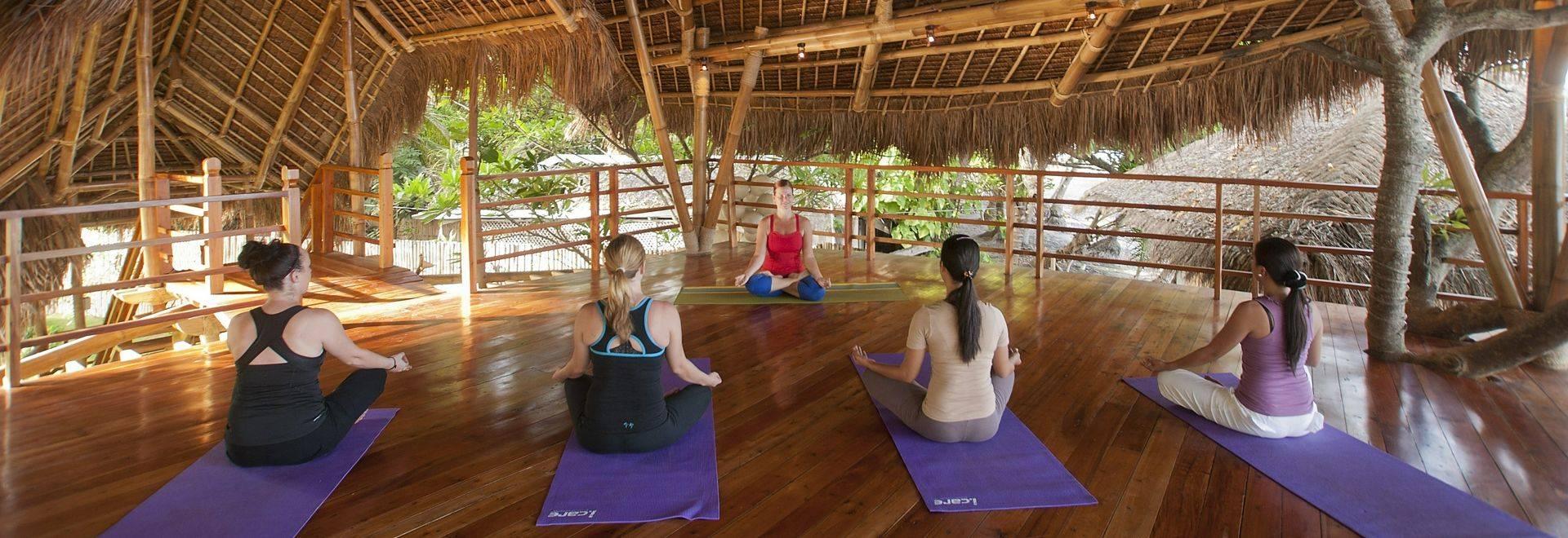 Atmosphere-Resort-yoga-class-treehouse.jpg