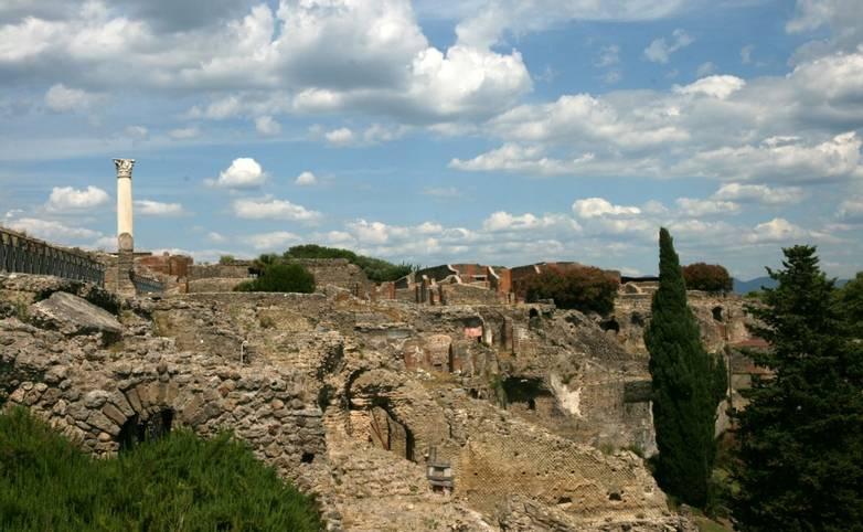 Italy - Pompeii - view.jpg