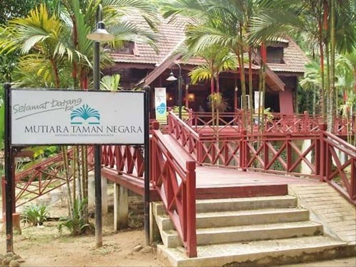 Taman Negara Resort (Mike Galtry)