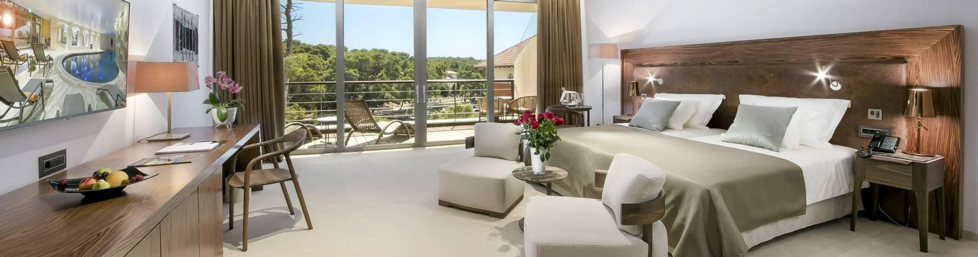 19. Boutique Hotel Alhambra_ anex_room (1).jpg