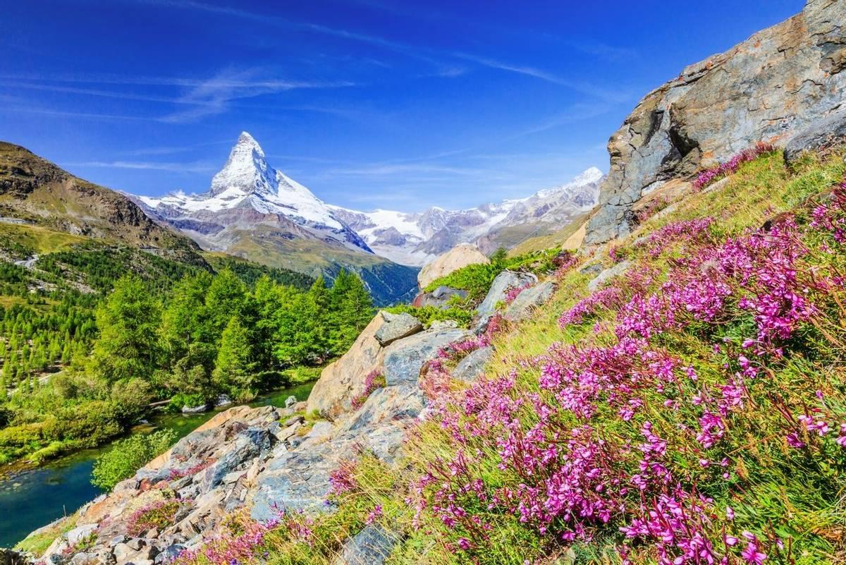 Matterhorn, Switzerland shutterstock_704449417.jpg