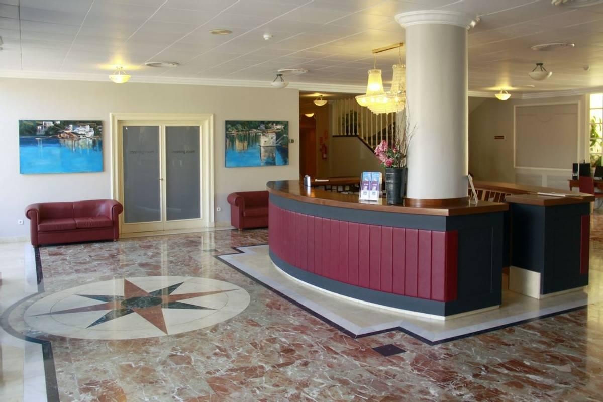 Spain - Menorca - Hotel Port Mahon - recepcion.JPG