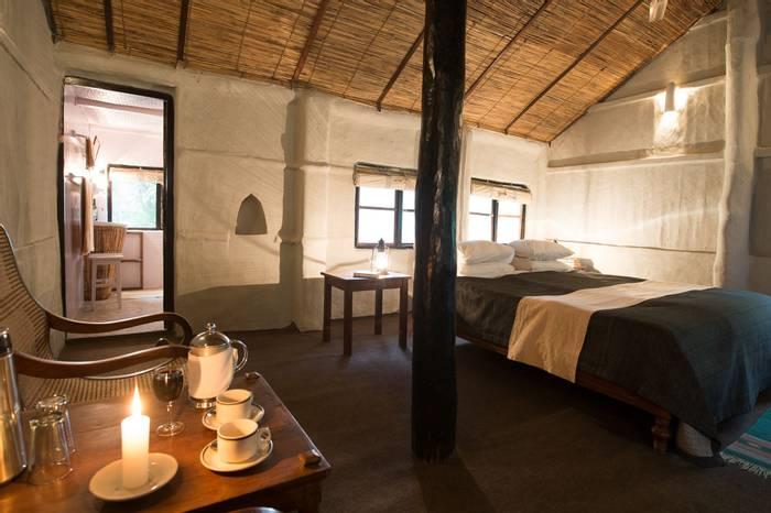 Tharu Lodge Bedroom (2).jpg