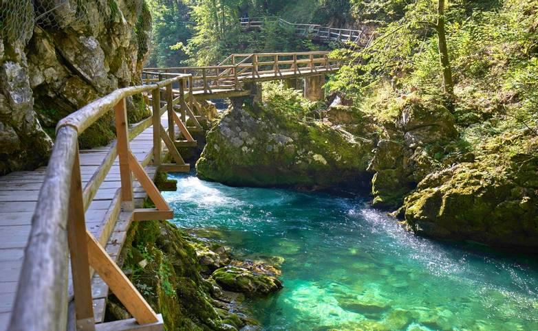 Slovenia-Alpen-Vintar Gorge Lake Bled-AdobeStock_120998907.jpeg