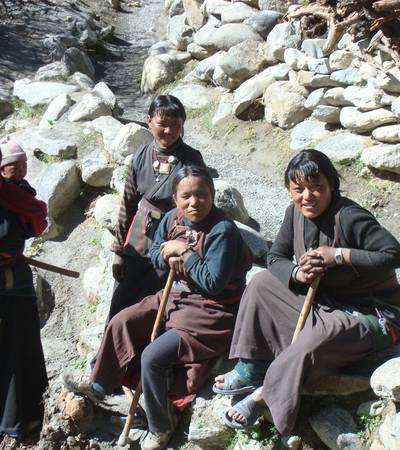 Dolpo-pa women in Tinje village