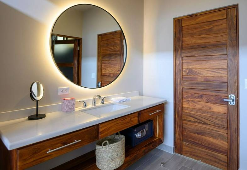 lapazul-retreat-bathroom-1.jpeg