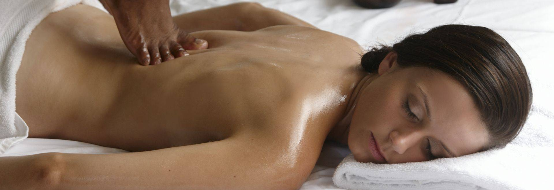 The Bodyholiday Back Massage 2