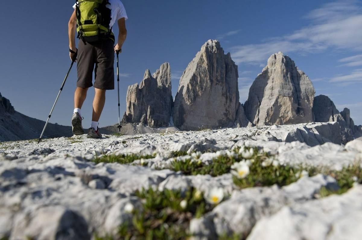 Italy-DolomitesTraverse-GuidedTrail-AdobeStock_25025330.jpeg